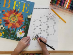 Free Printable: Buzzy Bee Colouring